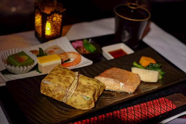 カタール航空ビジネスクラスの機内食 和食 夜(成田 - ドーハ QR807)