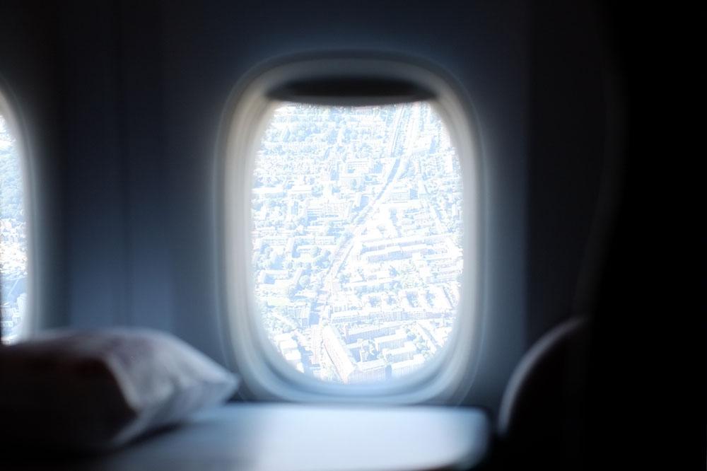 Qsuite ドーハ-ロンドン便の機内から - カタール航空ビジネスクラスQsuite