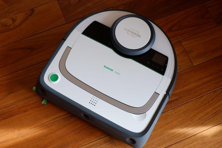 シンプルで美しくいかにも丈夫そうな コーボルト の ロボット掃除機 VR200