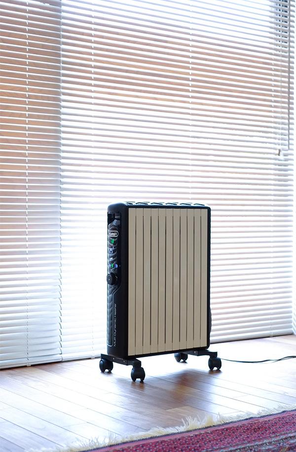 リビング の 暖房 マルチダイナミックヒーター は コンパクトですっきり
