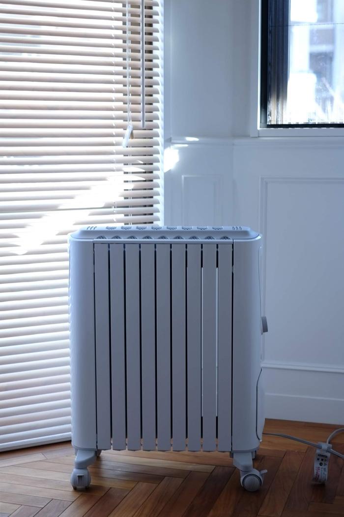 寝室にデロンギ の 暖房 ベルカルド オイルヒーター