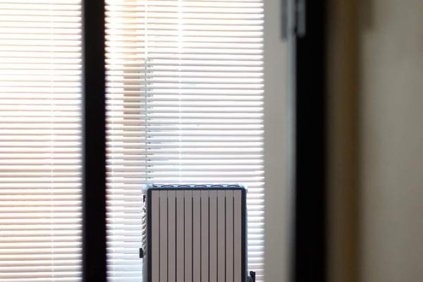 リビング の 暖房 は デロンギ マルチダイナミックヒーター だけでも暖かい