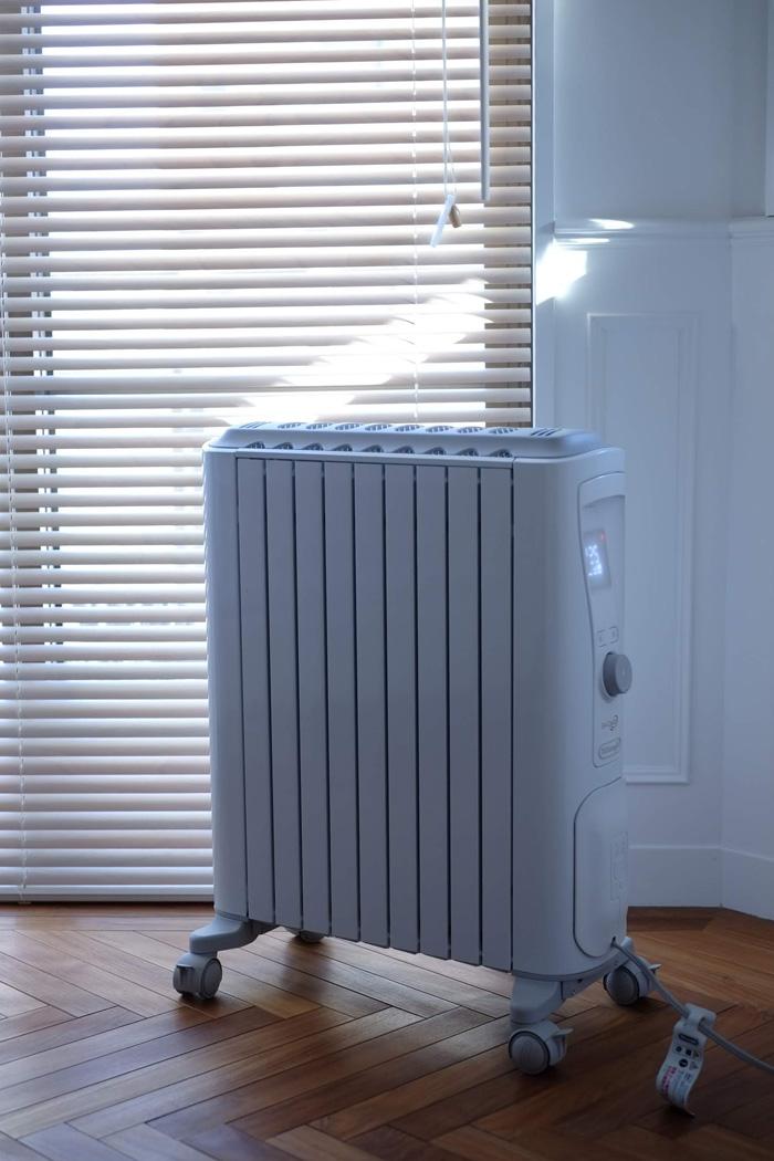 寝室の 暖房 は デロンギ オイルヒーター で超快適